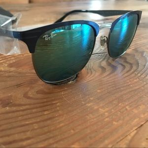 Ray-Ban Clubmaster Blue Mirror Lens